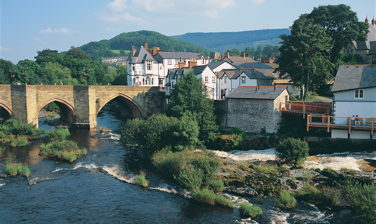 Llangollen United Kingdom  city photos gallery : Photos © Crown copyright 2010 Visit Wales