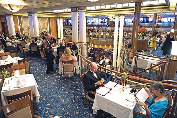 Queen Mary 2 Ocean Liner Britannia, Queen Mary 2 Dining Room